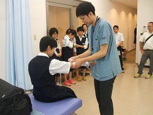 中学2年生 体験学習のため来校 柔道整復学科